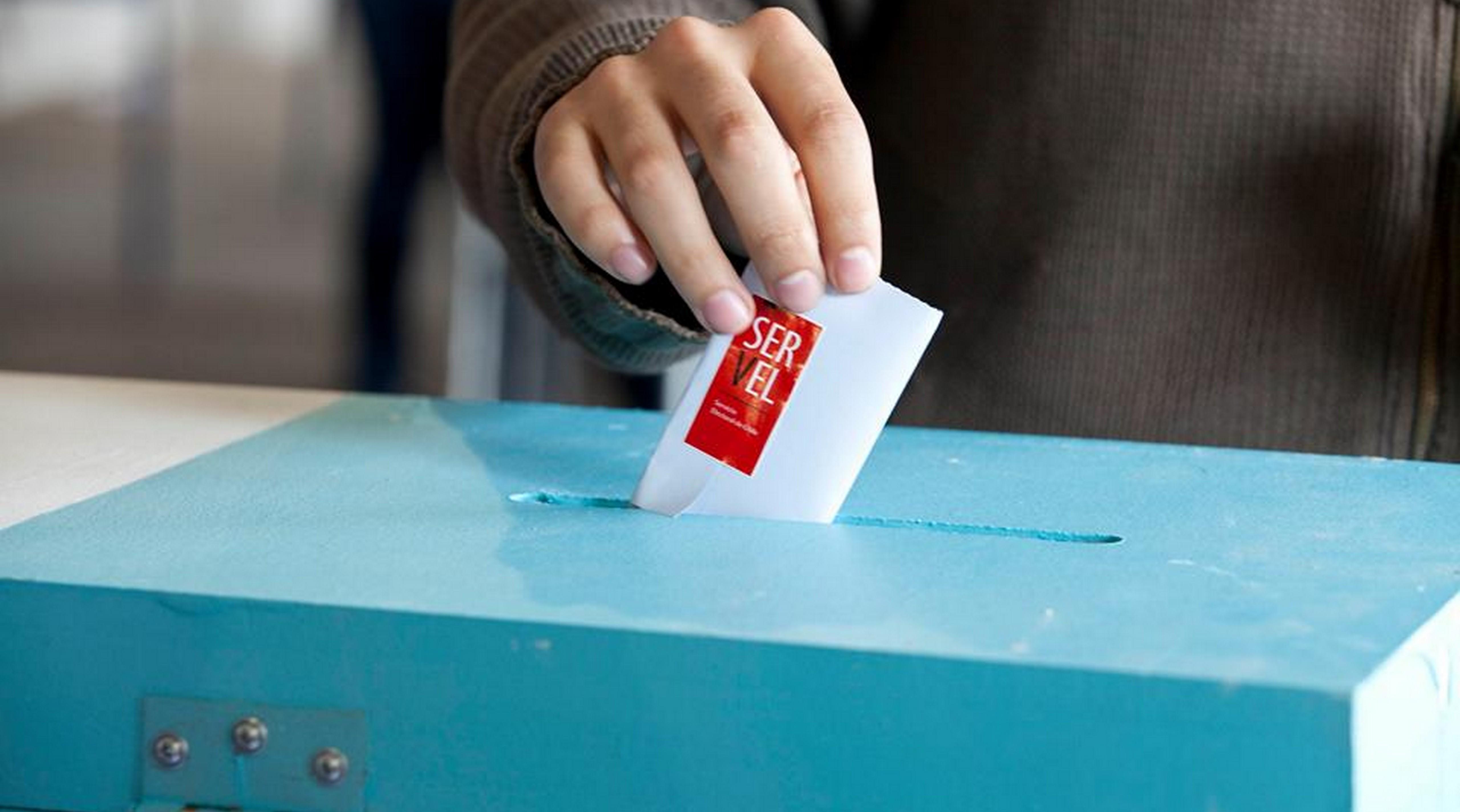 ¿Necesito permiso temporal para ir a votar en el Plebiscito?