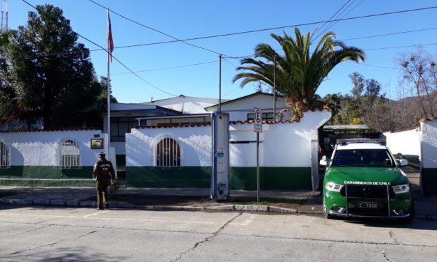 Carabineros detiene a tres sujetos por robo de jeep en Machalí