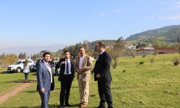 Autoridades visitan terreno donde se construirá nuevo Centro de Referencia de Salud para Machalí