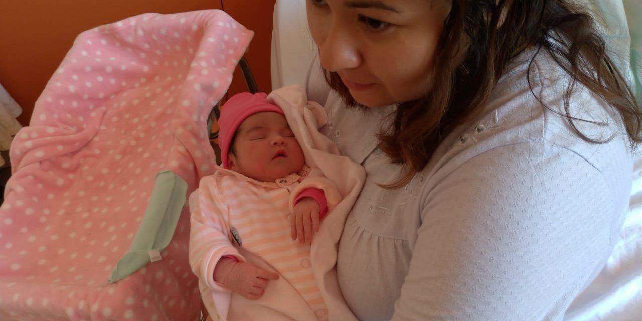 La primer bebé nacida en 2019 en el Hospital Regional de Rancagua