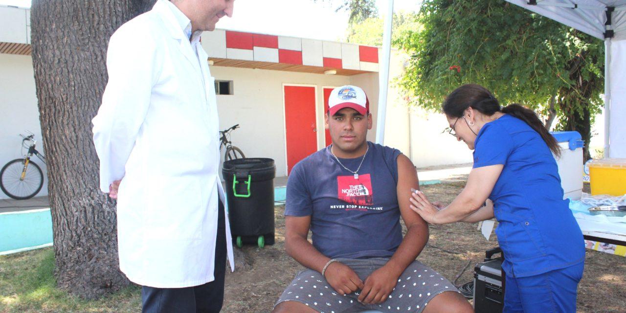 Seremi de Salud O'Higgins refuerza campaña contra el Sarampión en Machalí