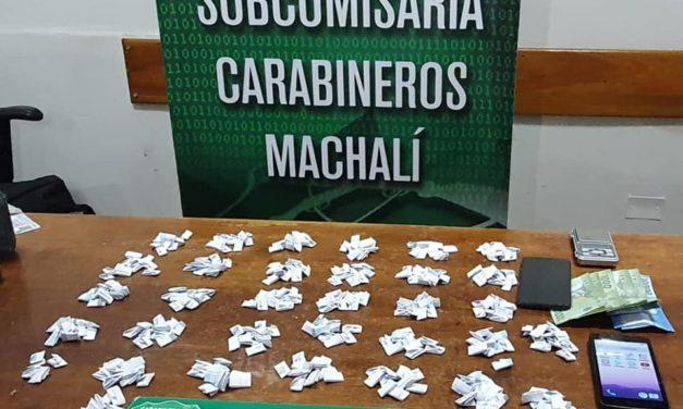 Carabineros detiene a sujeto por microtráfico de drogas en Machali