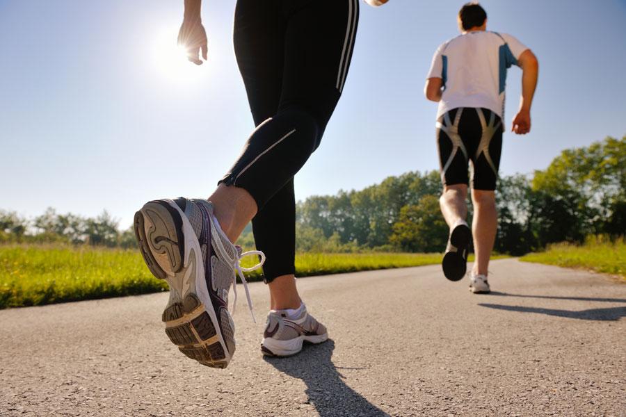 ¿Es aconsejable o beneficioso salir a trotar, andar en bicicleta o caminar durante la emergencia sanitaria?