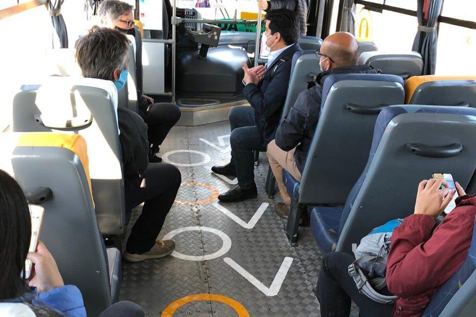 Comienza plan piloto de distancia física en buses de Rancagua