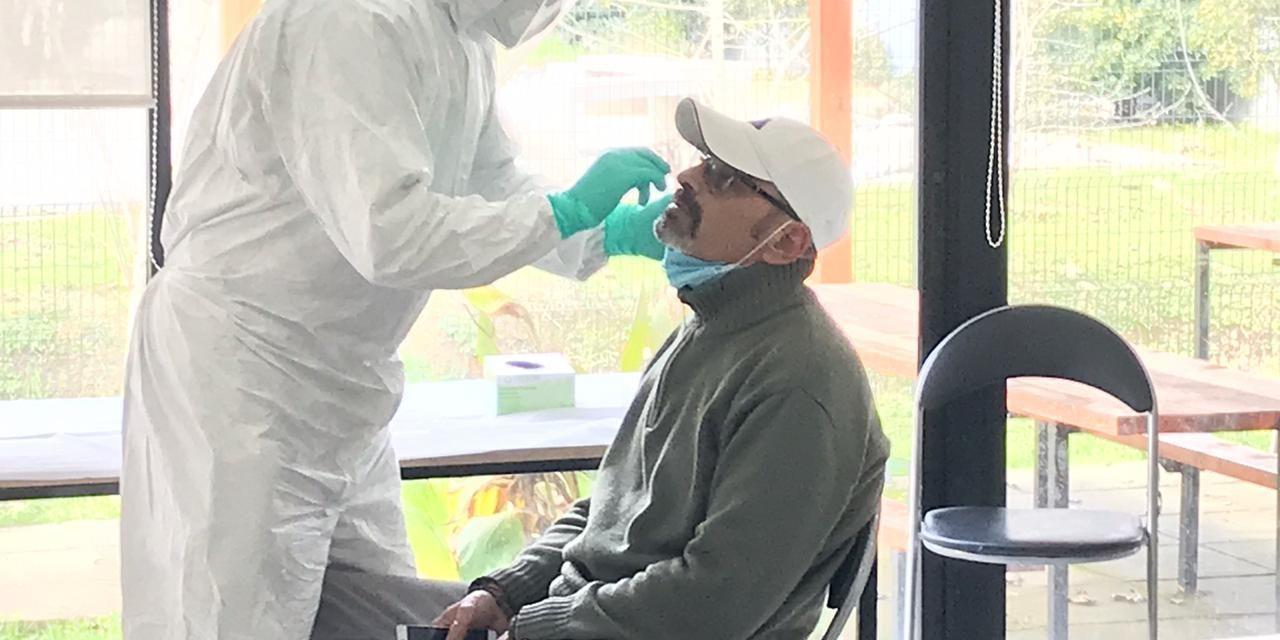 Realizan exámenes PCR a conductores de la locomoción colectiva de Machalí