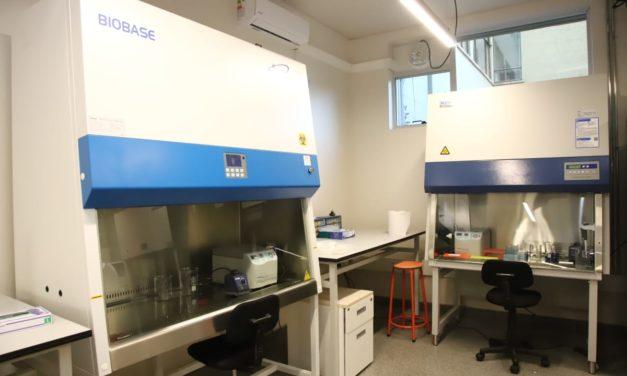 Universidad de O'Higgins comenzó a procesar PCR para detectar Covid-19