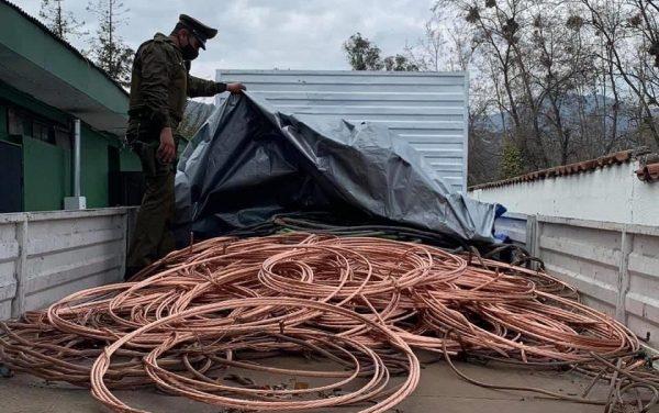 Cuatro detenidos por millonario robo de cables de cobre en Machalí