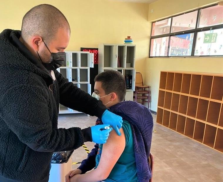 Más de 2 mil estudiantes machalinos fueron inoculados en campaña de vacunación escolar 2021